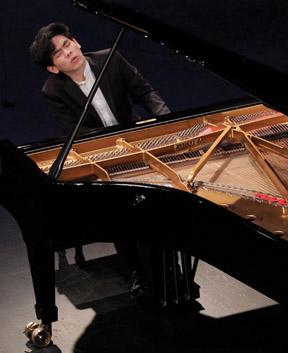 Kenny Broberg, Silver Medalist Cliburn Pianist
